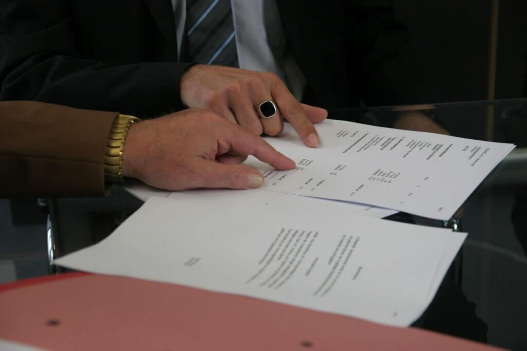 En esta nota, nuestro equipo de abogados de inmigracion en Maryland explica todo sobre el TPS. La imagen es ilustrativa.