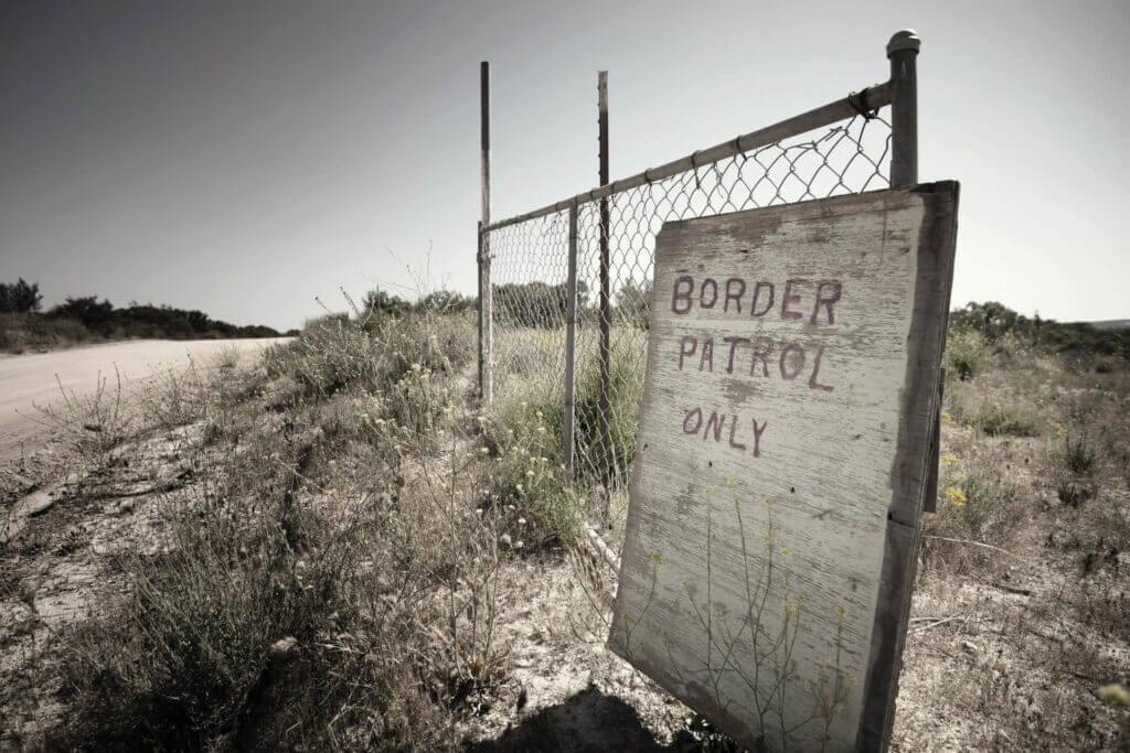Este artículo trata sobre la frontera de México y Estados Unidos. La imagen es acorde.